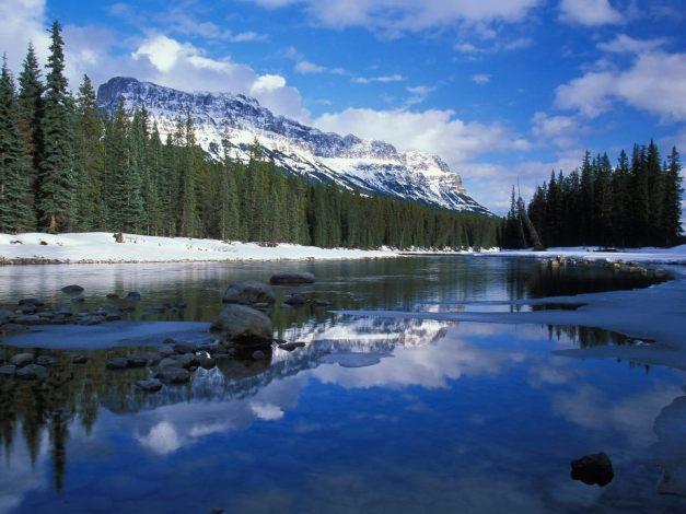 Bow river castle mountain - Canada