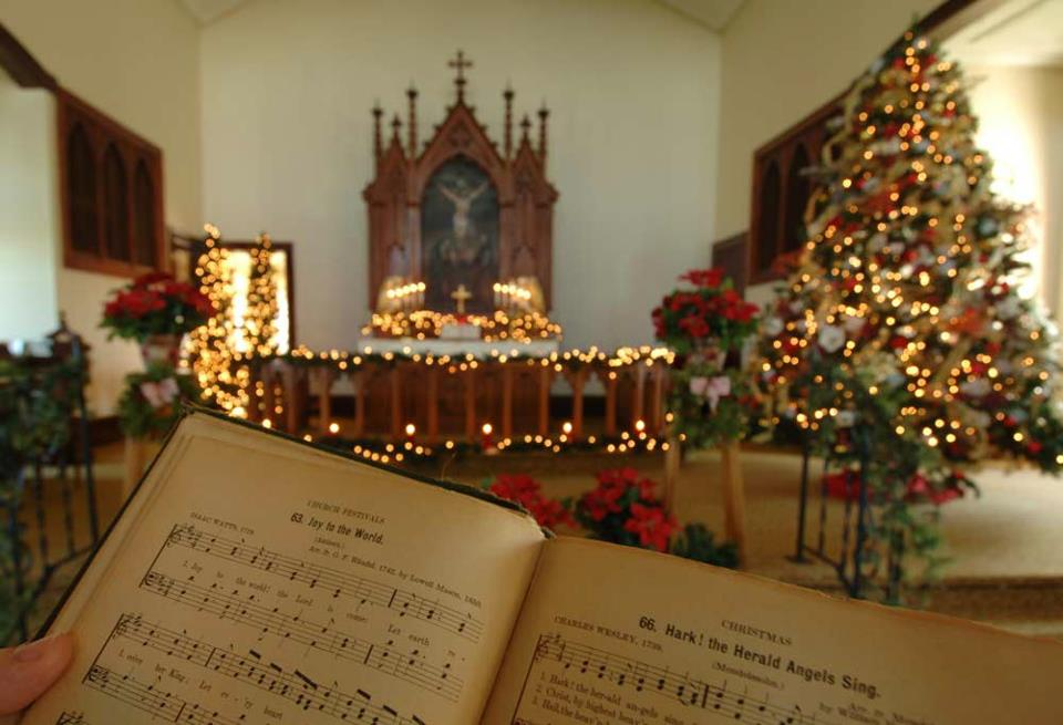 CHRISTMAS MUSIC – Mr. Krueger\'s Christmas – The First Christmas Gift ...